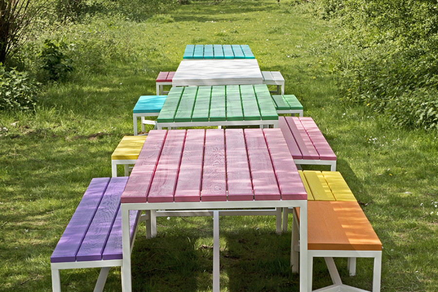 Tables de jardin colorées